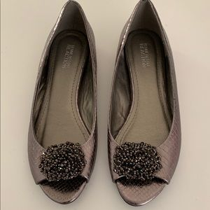 Kenneth Cole Reaction flats size 8, metallic
